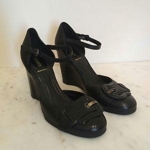 FENDI - vintage logo buckle sculpted wedge heels